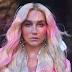 """Kesha anuncia """"Rainbow - The Film"""", documentário dirigido por ela sobre o disco"""