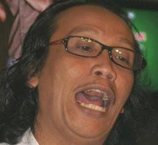 Foto Mandra, Mandra Komedian