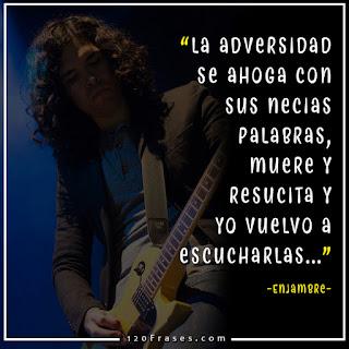 Guitarrista de enjambre Javier Mejia