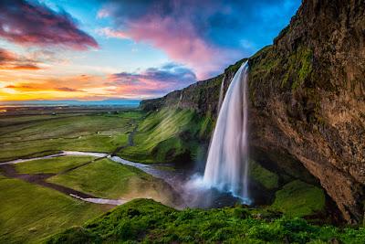 Cascada de Seljalandsfoss - Viajando por el sur de Islandia