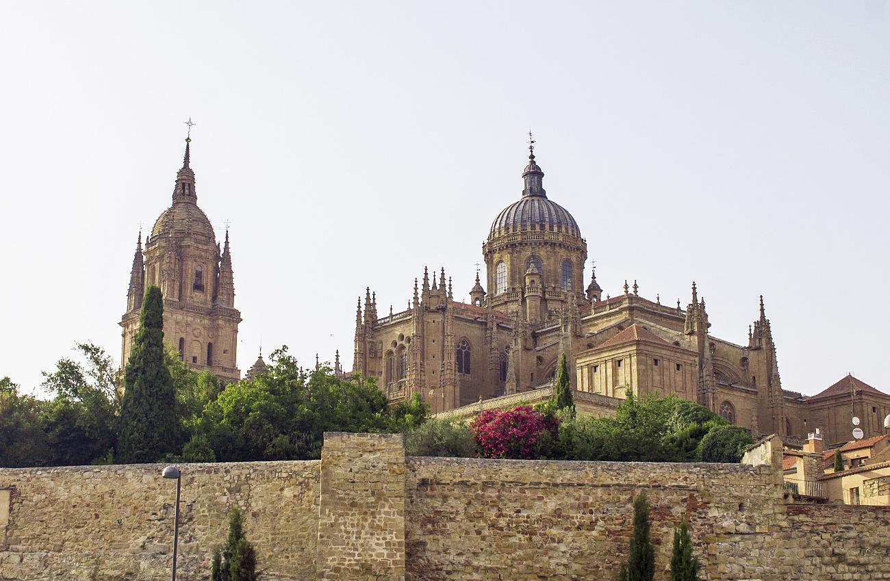 muralla salamanca catedral