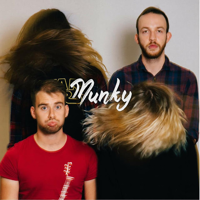 MUNKY - 7AM Bues Single