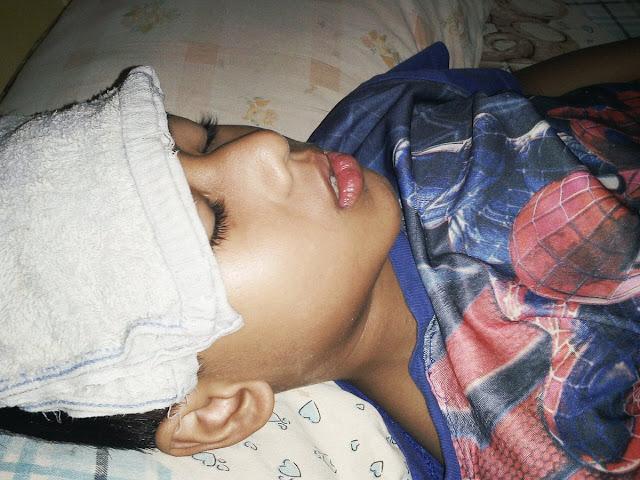 """Meski Sakit Keras, Anak Ini Terus Dendangkan """"Al-Qur'an Imam Kami"""""""