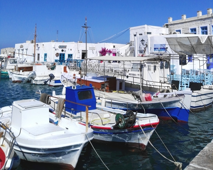 port naoussa paros