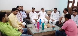 सपा नेता के पुत्र शोक पर आज़म खान ने बंधाया ढांढस | #NayaSaberaNetwork