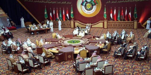 «عيال موزة» تشعل «خناقة» بين وفدي قطر والسعودية في مؤتمر بالكويت