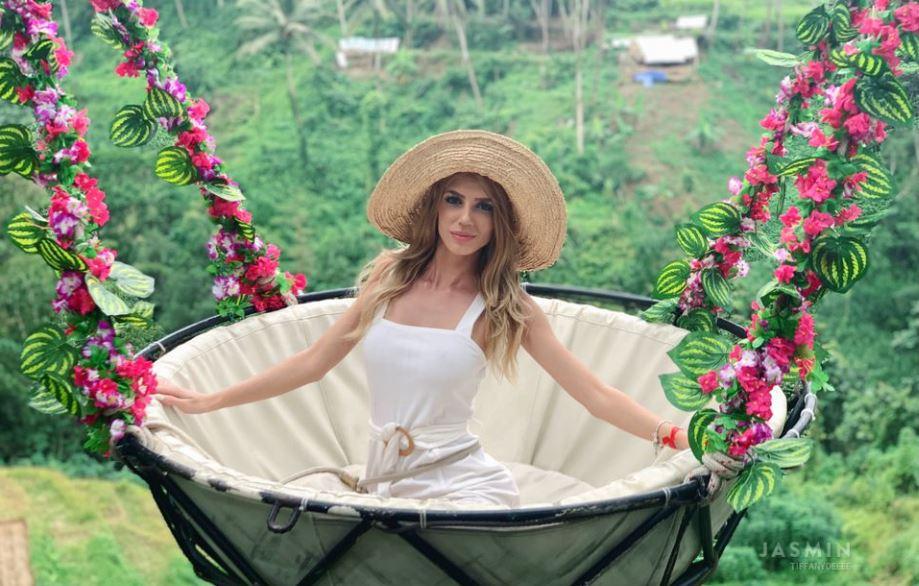 TiffanyDeeee Model GlamourCams