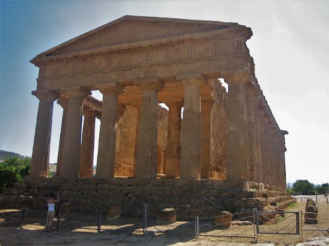 Agrigento - Templo de la Concordia en el Valle de los Templos