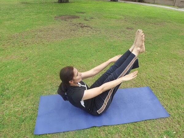 Gerakan Yoga Naukasana Anekaragamsehat
