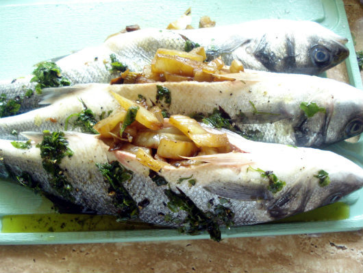 Sea bass with fennel and broccoli by Laka kuharica: Fill the cavity of each bass with the stewed fennel.