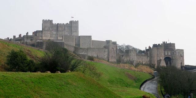 DOVER CASTLE'S TUNNEL ENGLAND
