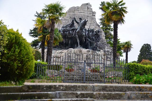 MONUMENTO-NAZIONALE-DELLE-MARCHE