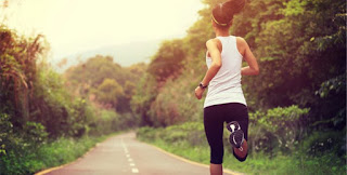 The Best 10-Minute Cardio Workouts to End Summer on a High-Note