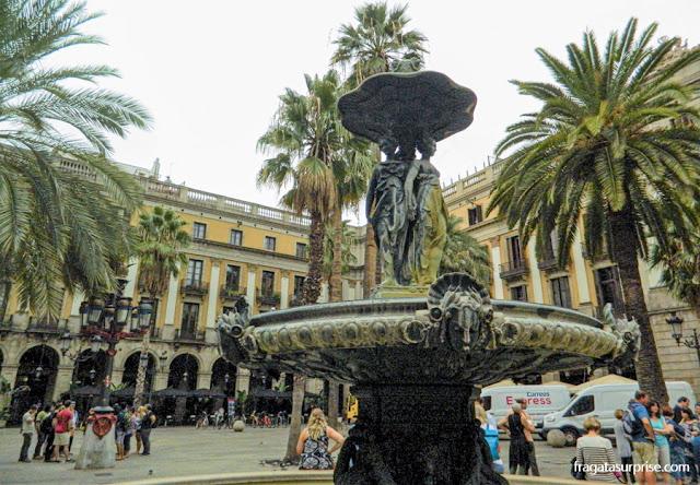 Fonte das Três Graças, Plaça Reial, Barcelona