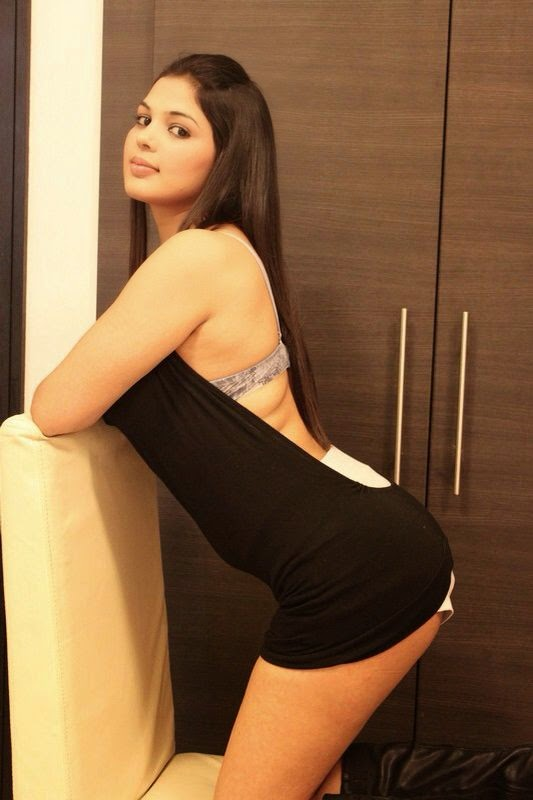 Aleena - Pakistani Escort In Dubai +971552244915