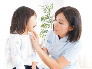 Cách giúp bé giảm đau rát, biếng ăn do bị đẹn miệng, viêm amidan