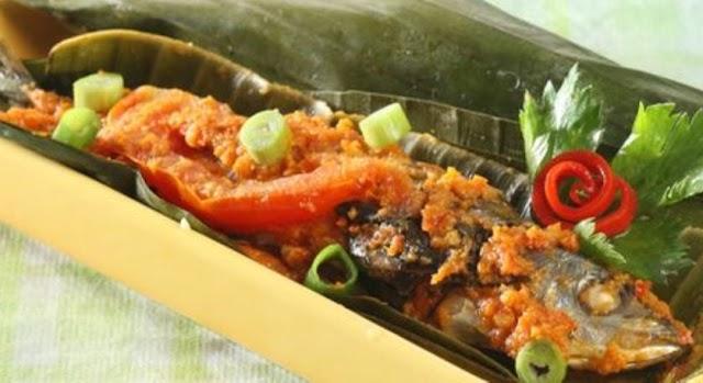 Membuat Pepes Ikan Cue Sambal Merah Untuk Makan Malam Nanti