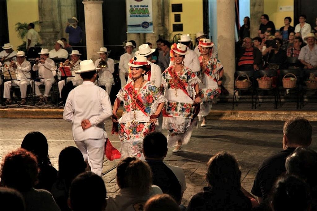Merida,  Uxmal i Izamal na Jukatanie.