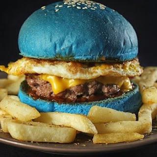 malesmegawe.com - Burger Unik Doodle Burger Factory