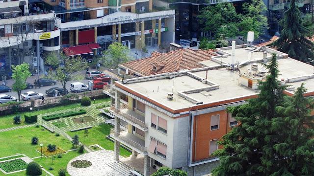 La rivista spagnola incoraggia a visitare Tirana prima che sia troppo tardi