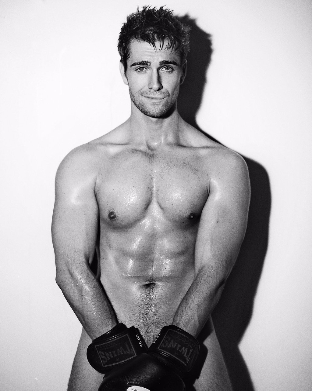 Shirtless Men On The Blog: Mauro Gentile Mostra Il Sedere