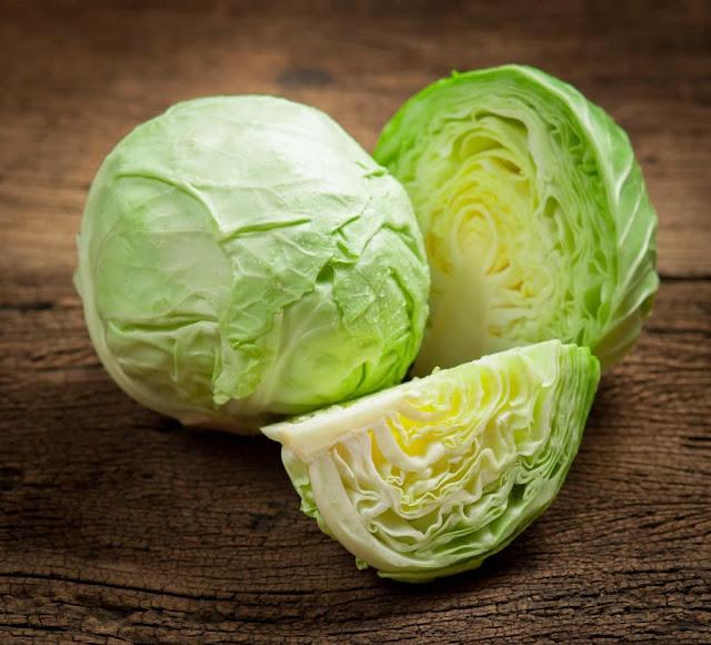 Thường xuyên ăn bắp cải không những giúp làm mờ những vết bầm mà còn ngăn ngừa ung thư hiệu quả