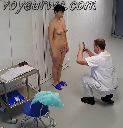 Breast Uplift and Breast Reduction for Breast Asymmetry Correction. Peeping in the doctor's office (Breast and body correction 03)