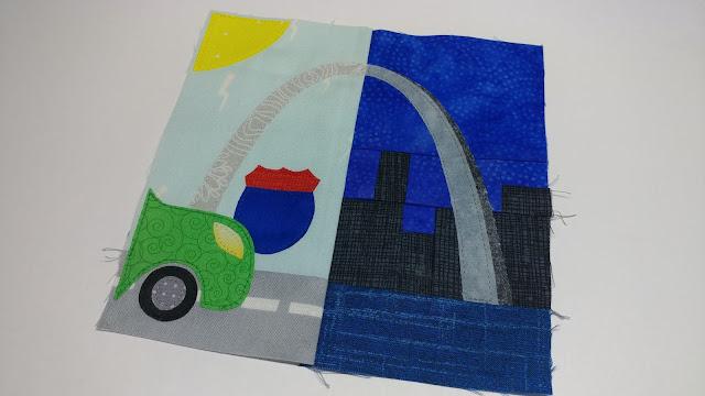 Missouri quilt block with Gateway Arch