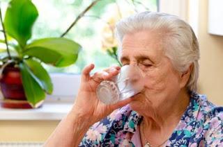 Médico  afirma que  idosos  tendem a sofre mais  com p calor   saiba  o motivo