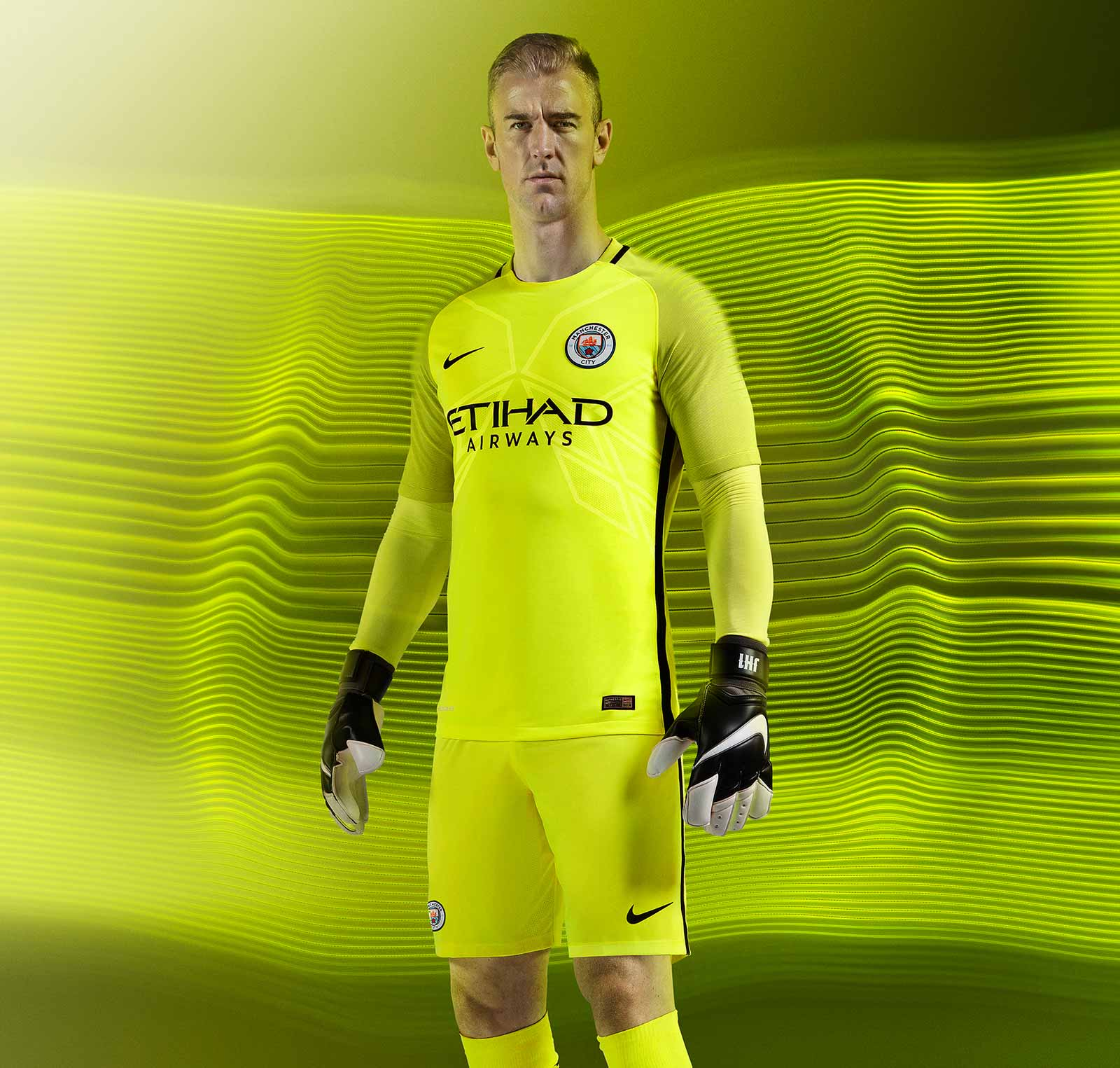 manchester city 16 17 goalkeeper kit released footy headlines. Black Bedroom Furniture Sets. Home Design Ideas