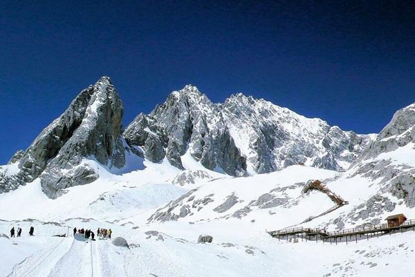 ภูเขาหิมะมังกรหยก (Jade Dragon Snow Mountain: อวี้หลงซาน: 玉龙雪山) @ www.yunnangolf.org
