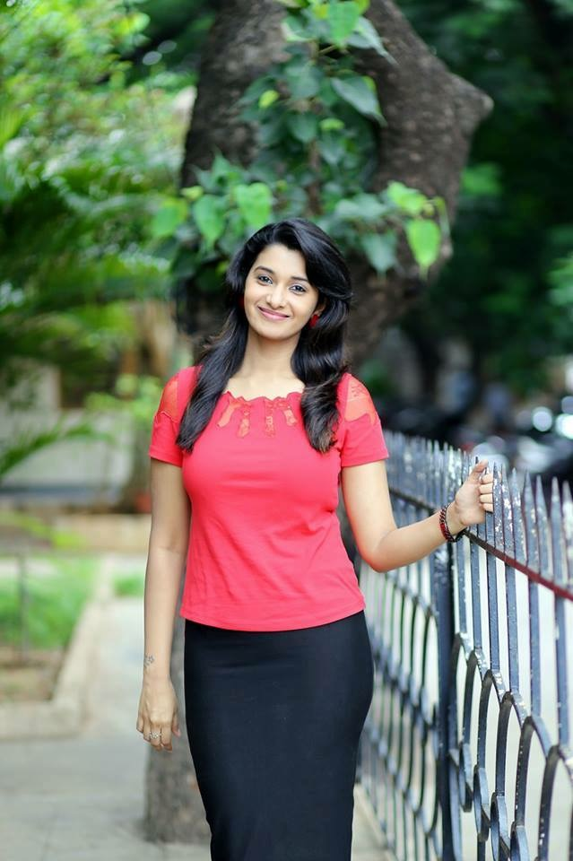 Ramya Nambeesan Cute Wallpapers Actress Priya Bhavani Shankar Exclusive Photoshoot Stills