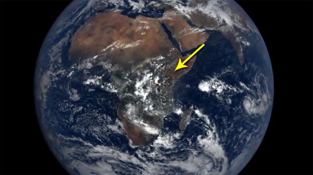 pontos brilhantes registrados na Terra por satélites