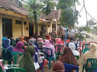 Putus Mata Rantai Penyebaran Covid 19 di Desa Binaan, Babinsa Koramil 0802/18 Sooko Sosialisasikan 3M