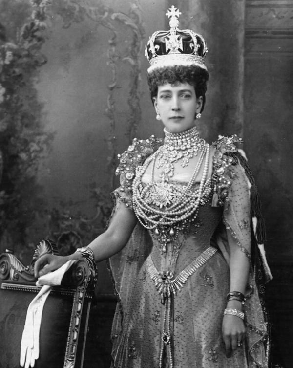 Queen Adelaide : queen, adelaide, Sundays, Victoria:, Queen, Adelaide's, Diamond, Fringe, Court, Jeweller