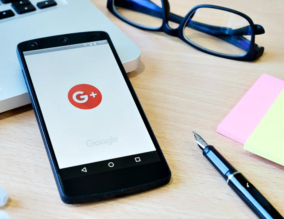 Fim do Google+. Como o fim anunciado do G+ vai impactar seu blog. Google anuncia fim do Google plus.