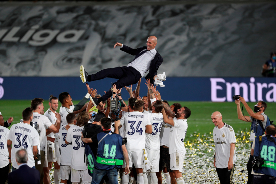 Real Madrid celebrate winning the La Liga title at Estadio Alfredo Di Stefano