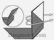 Bước 7: Gấp lật ngược mặt giấy xuống dưới.