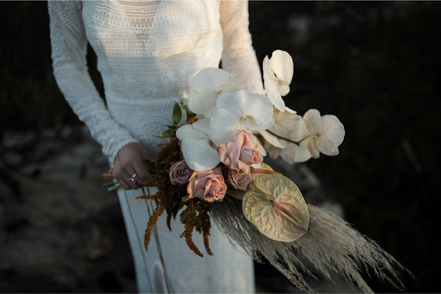 with love weddings photography floral design sydney southern highlands wedding flowers installation bouquets