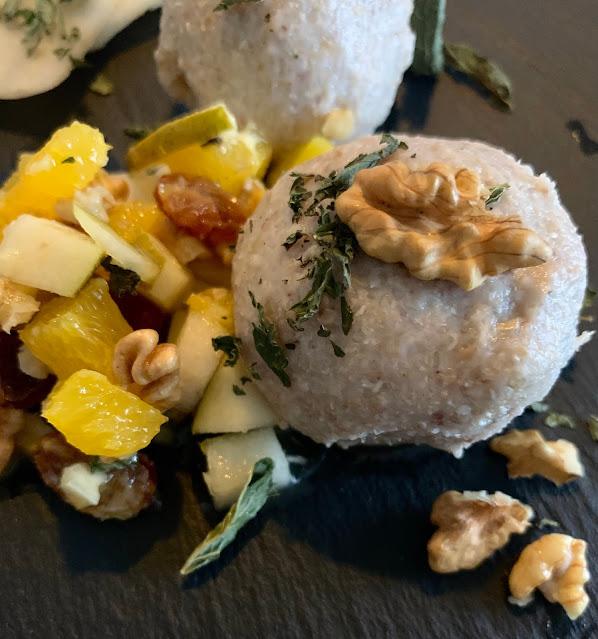 Grieß-Bällchen an Fruchtsalat, Rezept, glutenfrei, vegan, Buchweizen, Dessert, Nachtisch, Nachspeise, Werz