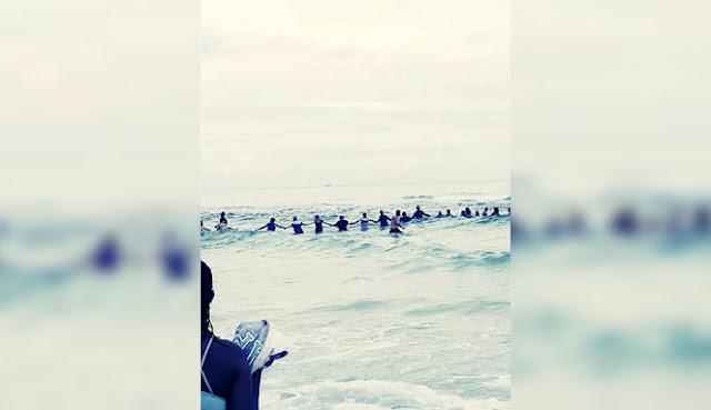 Tenggelam! 70 Orang Tak dikenal Menyelamatkan Keluarga ini.