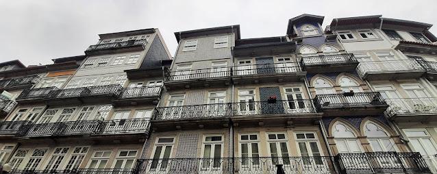 Fachadas de edifícios no Centro Histórico do Porto
