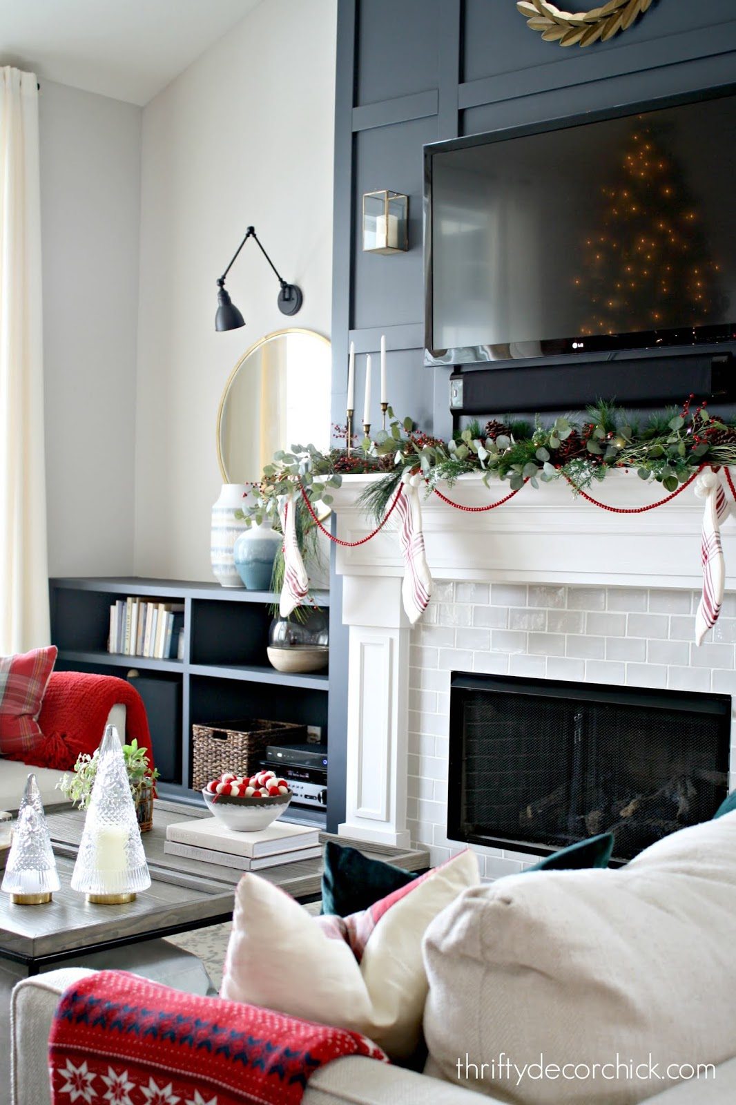 Easy way to decorate mantel for Christmas