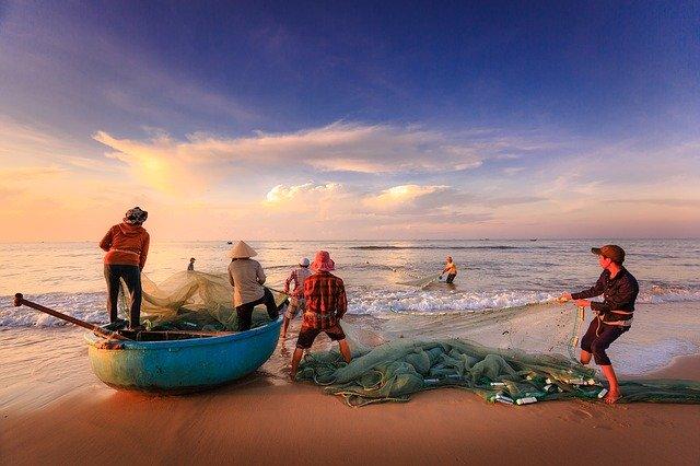 aktivitas penangkapan Ikan di Perairan Natuna