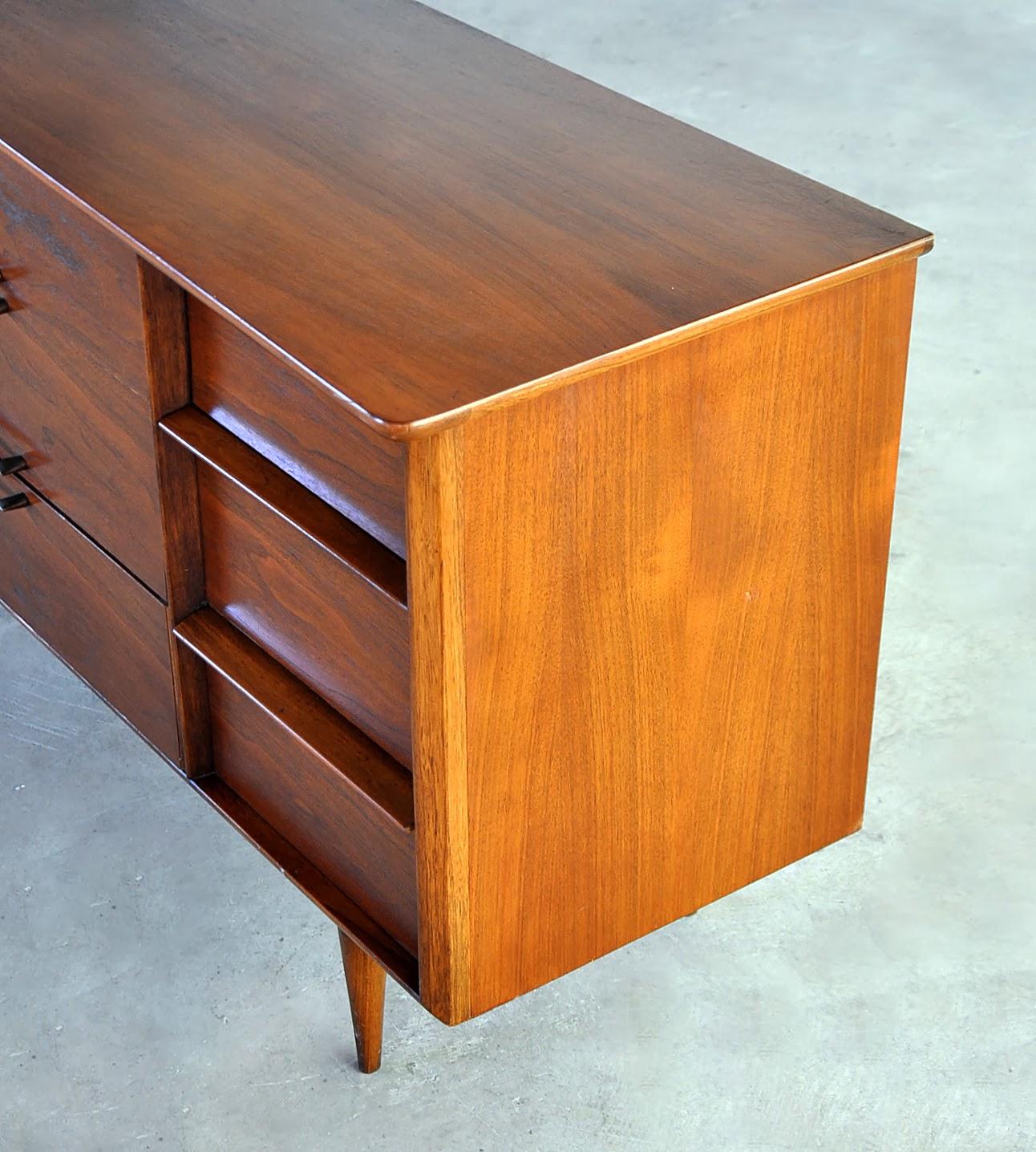 SELECT MODERN Kent Coffey Triple Dresser Or Credenza