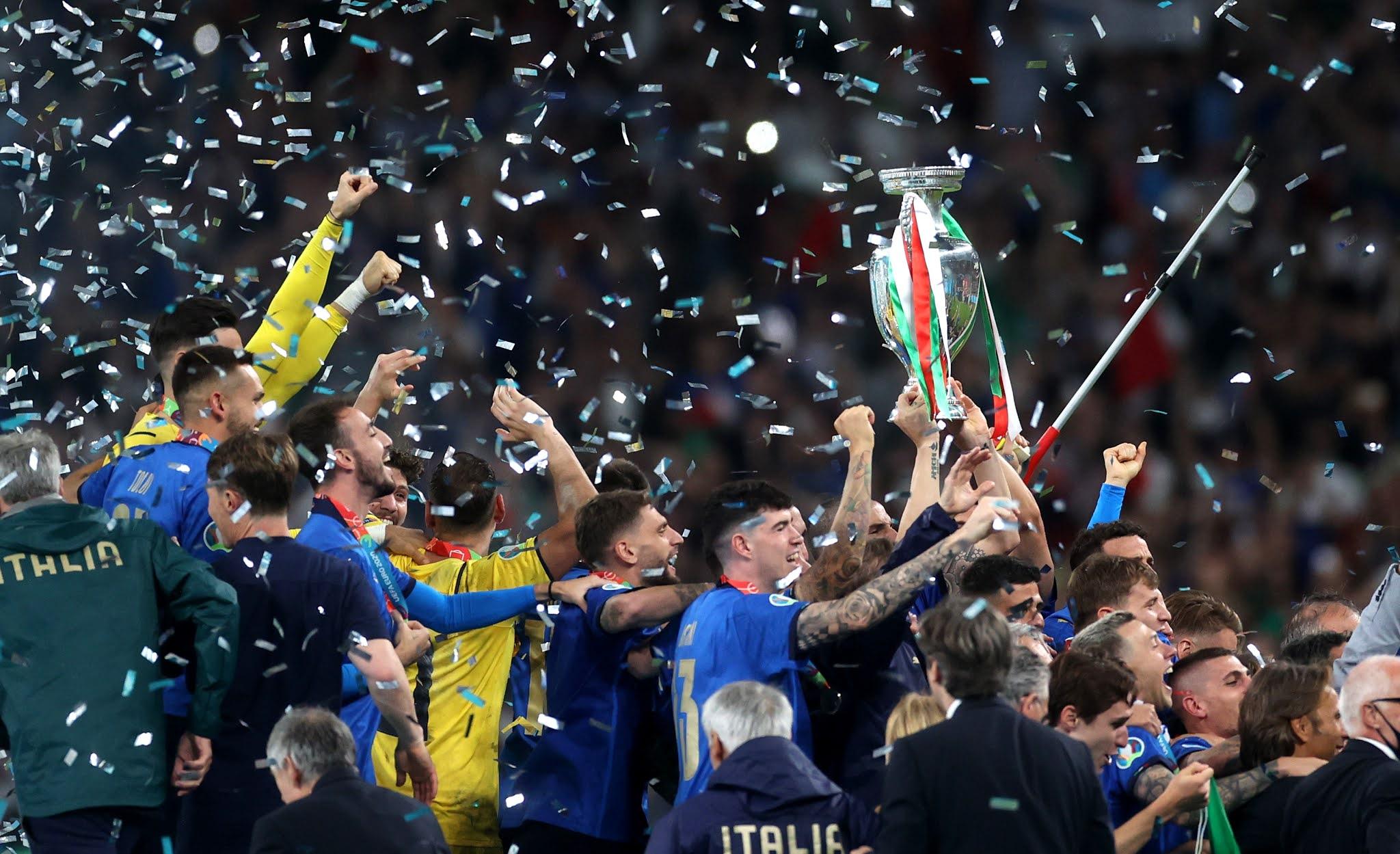 it's coming to Rome, Italia juara Euro 2020 di Inggris