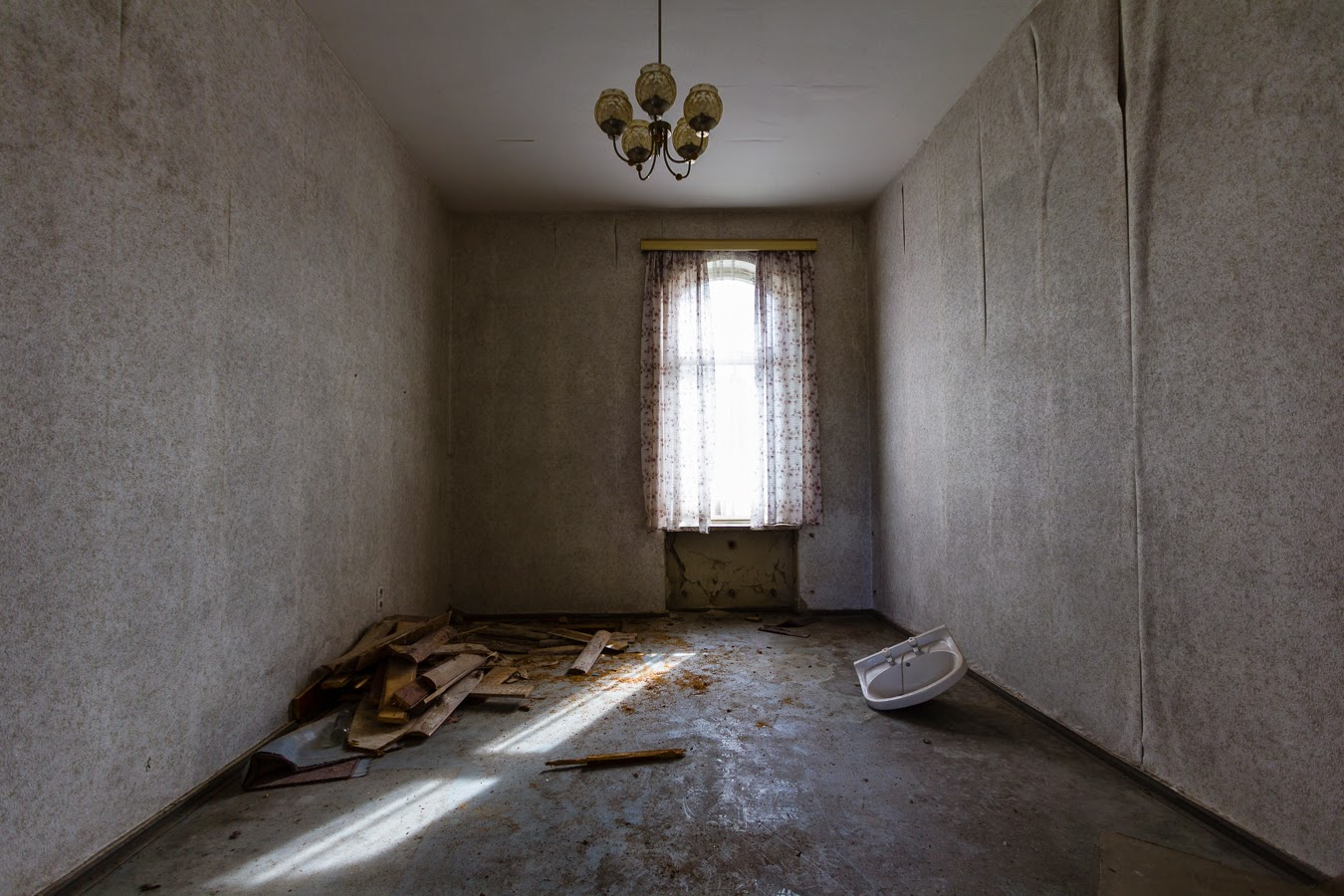 Lostsee hotel Ghosts for guests on the Baltic  Abandoned