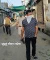चिड़ावा डीएसपी सादे कपड़ों में आम आदमी की तरह शहर मे भ्रमण कर लॉक डाउन का लिया जायजा