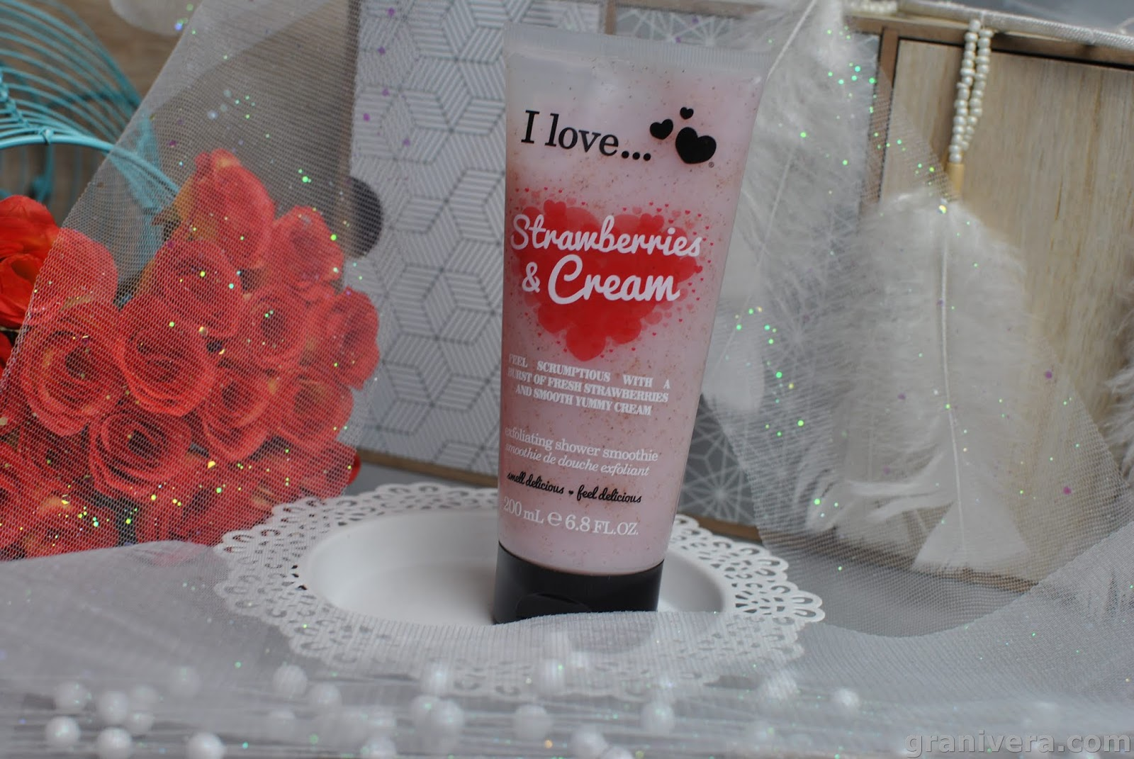 I Love Cosmetics Peeling do ciała Strawberries & Cream