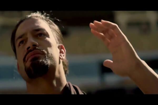 فيديو نادر: رومان رينز يسمع الاذان وهذه ردة فعله